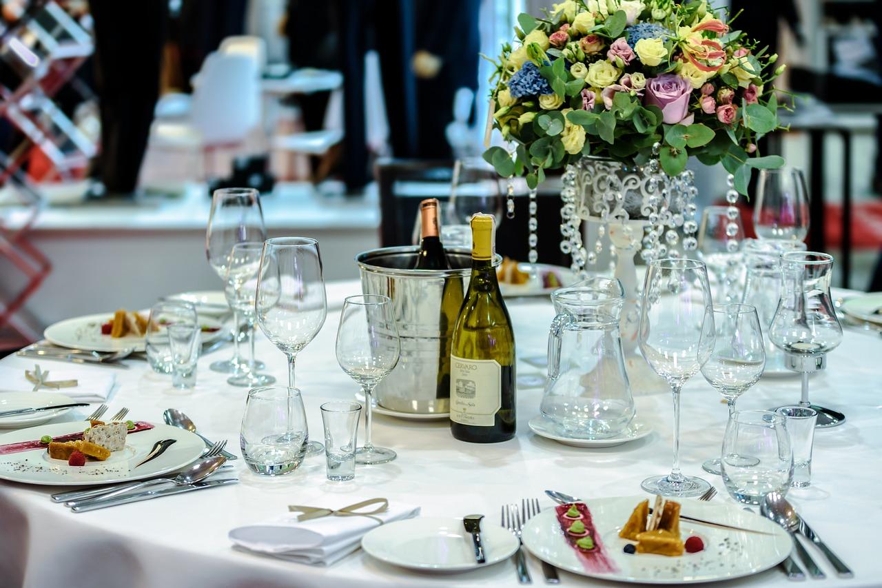 exclusive-banquet-1812772_1280[2]
